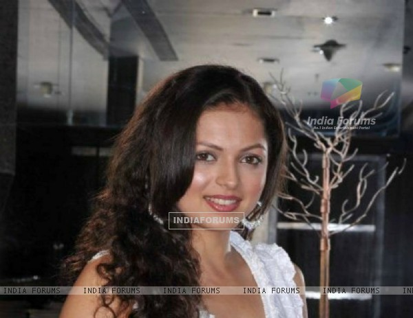 Drashti Dhami at a party