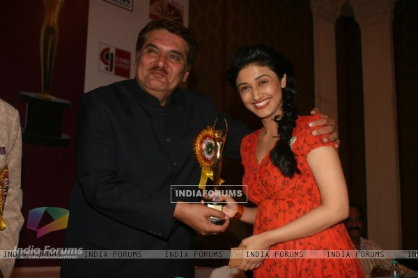Raza Murad and Ragini Khanna at Golden Achiever Awards 2012