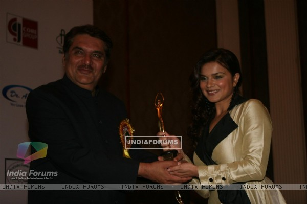 Raza Murad and Aashka Goradia at Golden Achiever Awards 2012