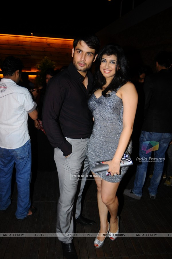 Vivian Dsena and Vahbbiz Dorabjee at Launch of Marinating Films Calendar 2012