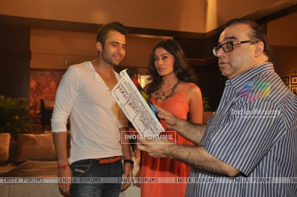 "Jackky Bhagnani, Rajkumar Santoshi and Nidhi Subbaiah during the Mahurat of Movie ""Ajab Gazabb Love"""