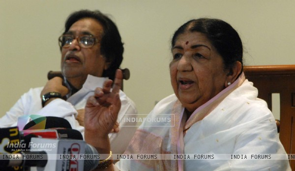 Mangeshkar family in press conference at their residence Prabhu Kunj for master Dinanath awards announcement. .