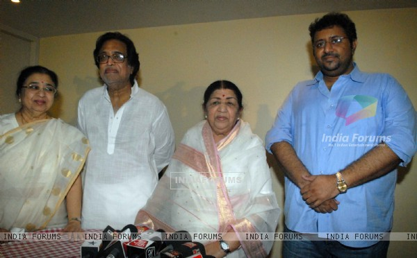 Lata Mangeshkar  with family attending  press conference at their residence Prabhu Kunj , Mumbai for master Dinanath awards announcement. .