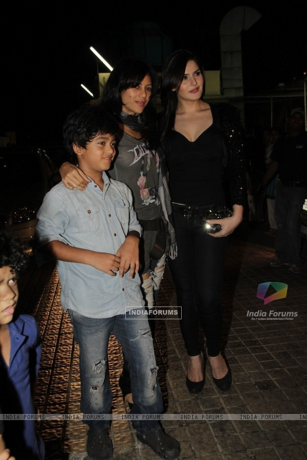 Zarine Khan at Vicky Donor special screening hosted by John Abraham at PVR