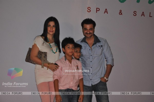 Sanjay Kapoor and Maheep Kapoor at Launch of Kallista Spa