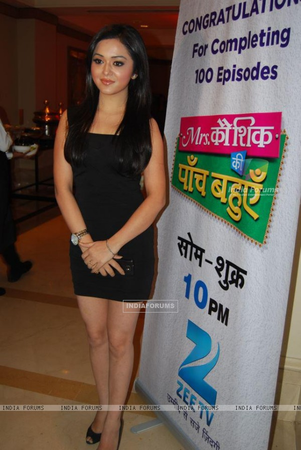 Rageeni Nandwani at the celebration of completing 100 episodes of MKKPB
