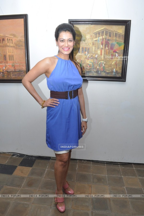Payal Rohatgi inaugurates Art Exhibition at Coomaraswamy Hall