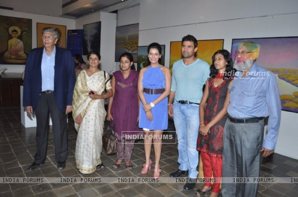 Payal Rohatgi with wrestler Sangram Singh inaugurates Art Exhibition at Coomaraswamy Hall