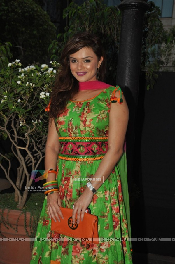 Aashka Goradia at Launch of Bhupinder-Mitali Singh-Gulzar's album 'Aksar'