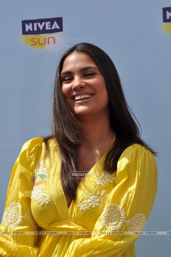 Lara Dutta at Launch of NIVEA Sun in India