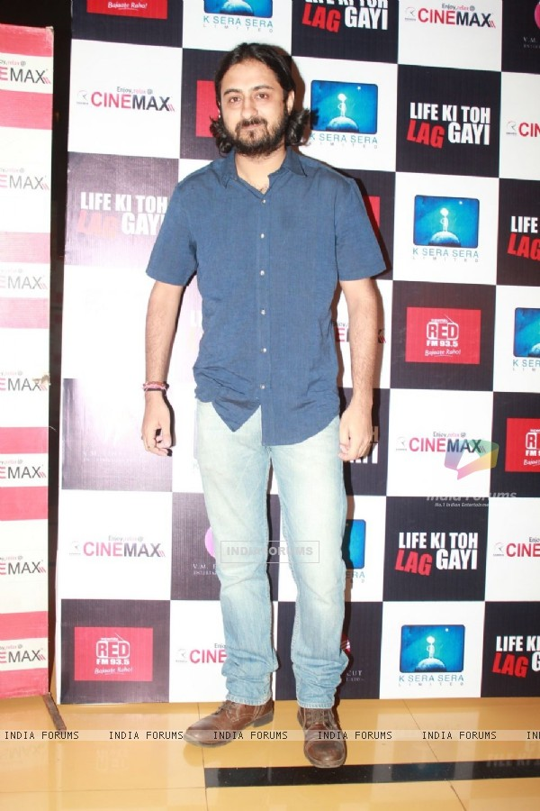 Pradhuman Singh at 'Life Ki Toh Lag Gayi' premiere at Cinemax, Mumbai