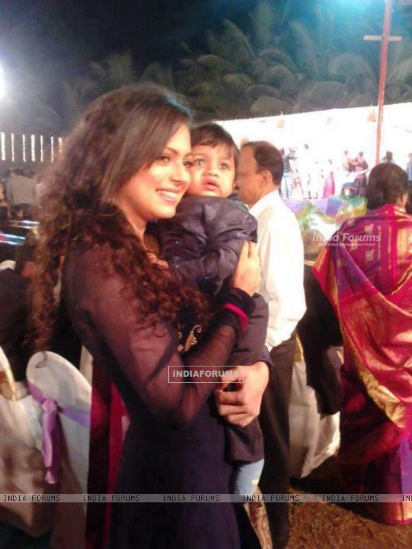 Drashti Dhami with Cute Baby
