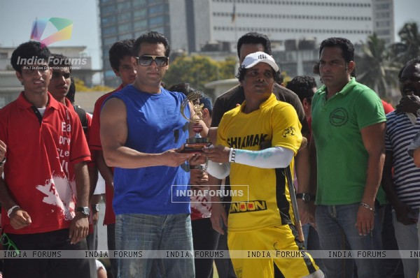 Actor Salman Khan at the Junnon match organised by Roataract Club of HR College in Mumbai
