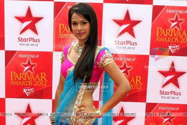 Nia sharma at star parivaar awards