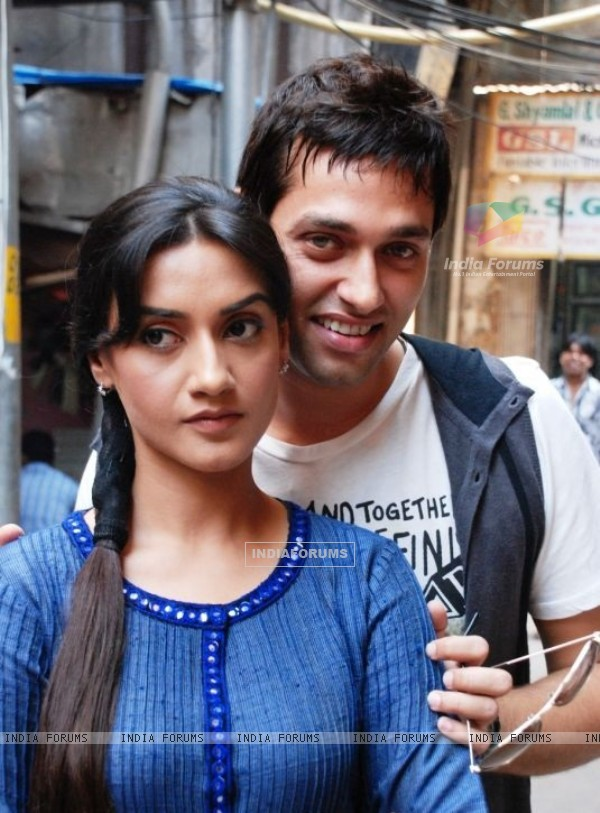 Sumit Vats and Rati Pandey in Hitler Didi