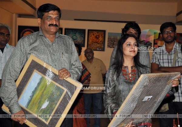 "Mrinal Kulkarni and Bhagvat More IPS at Group Exhibition of Paintings ""Serene Palette"""