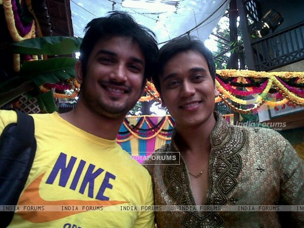 Sushant Singh Rajput and Anurag Sharma On The Sets Of Pavitra Rishta