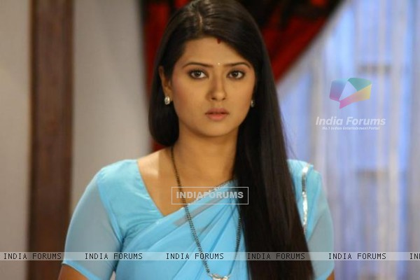 Kratika behind the scenes on the set of Punar Vivah