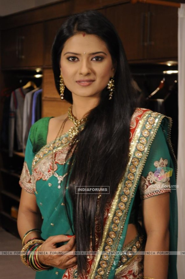 Kratika Sengar as Aarti