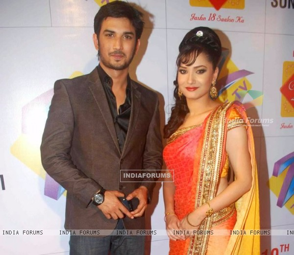 Sushant Singh Rajput, Ankita Lokhande On Red Carpet At Zee Rishtey Awards 2010