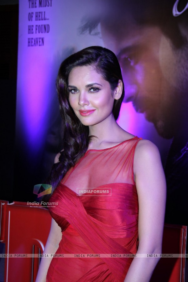 Esha Gupta at Jannat 2 success party at JW Marriot (196912)