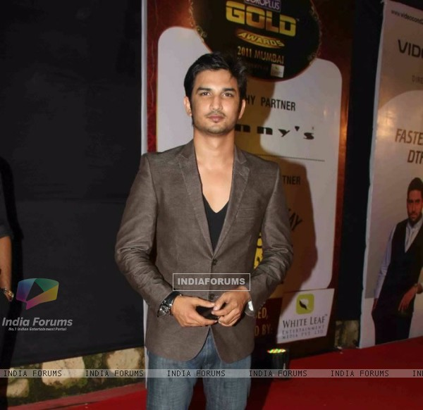 Sushant Singh Rajput At 4th Boroplus Gold Awards 2011