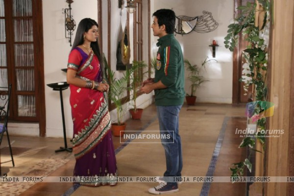 Kratika Sengar and Dishank Arora in Punar Vivah