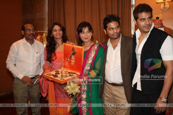 Anita More, Deepshika, Shailesh More & Keshav at the new collection unveiling of designer Anita More