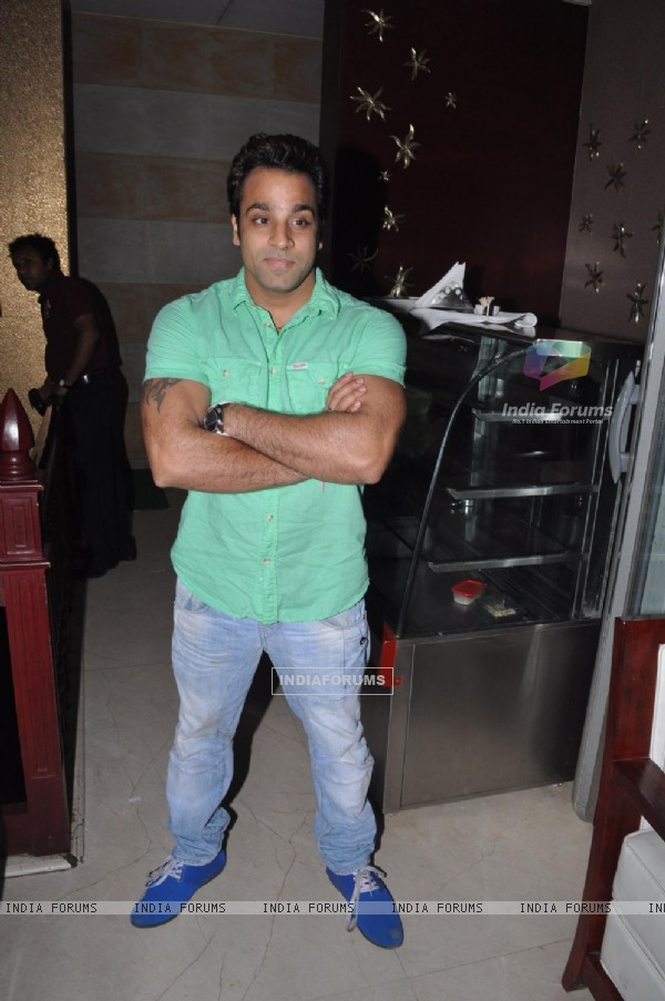 Abhishek Awasti at Teenu Arora's album �Dreams� launch