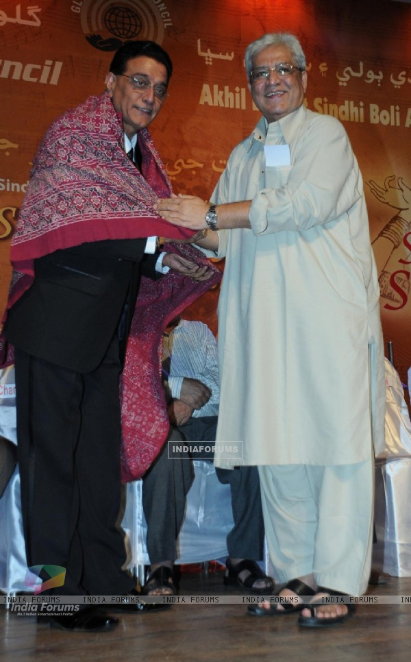 Chandru Punjabee awarded with Mother Teresa Award