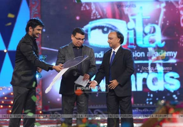 Sushant Singh Rajput Wins Best Actor At ITA Awards 2010