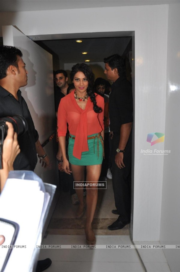 Bipasha Basu at Vinegar Fashion Store Launch