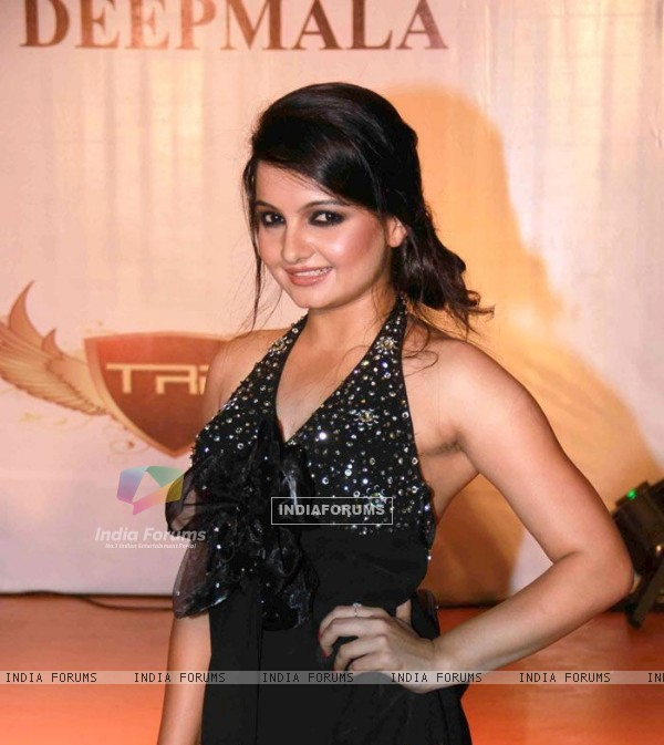 Giaa Manek At a Event.