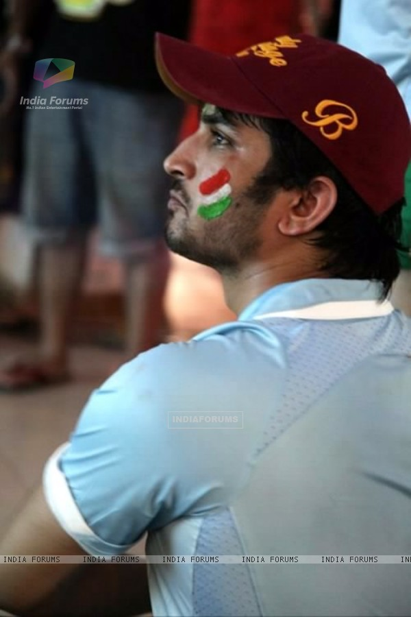 Sushant Singh Rajput Watching India Vs Srilanka Worldcup Match