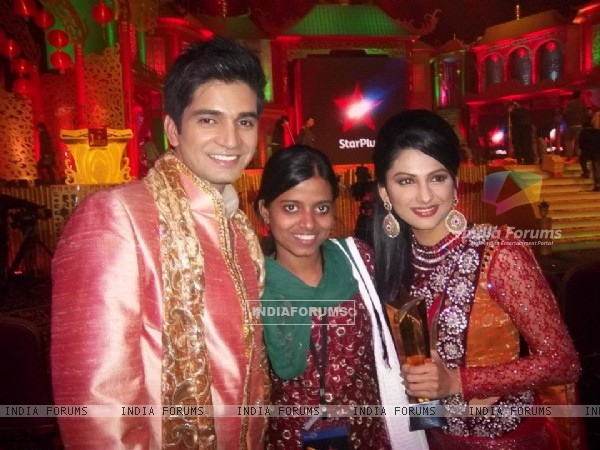 Rucha Hasabnis & Vishal Singh at star parivaar awards 2011 at macau