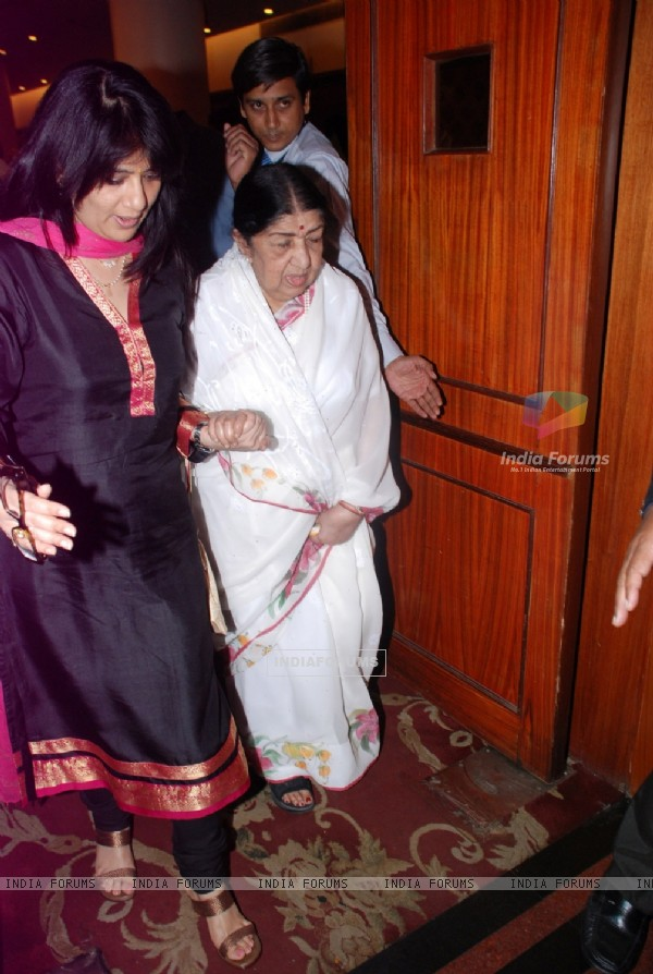 Lata Mangeshkar during the Javed Akhtar's Bestselling Book 'Tarkash' Launched in Marathi