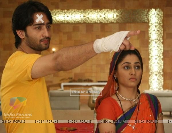 Shaheer Sheikh and Soumya Set on sets