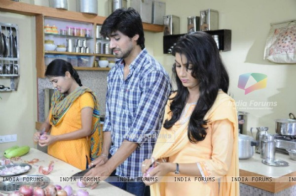 Harshad Chopda & Sriti Jha As Raghav Sia
