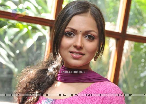 http://img.india-forums.com/images/600x0/199452-drashti-dhami-as-madhubala.jpg