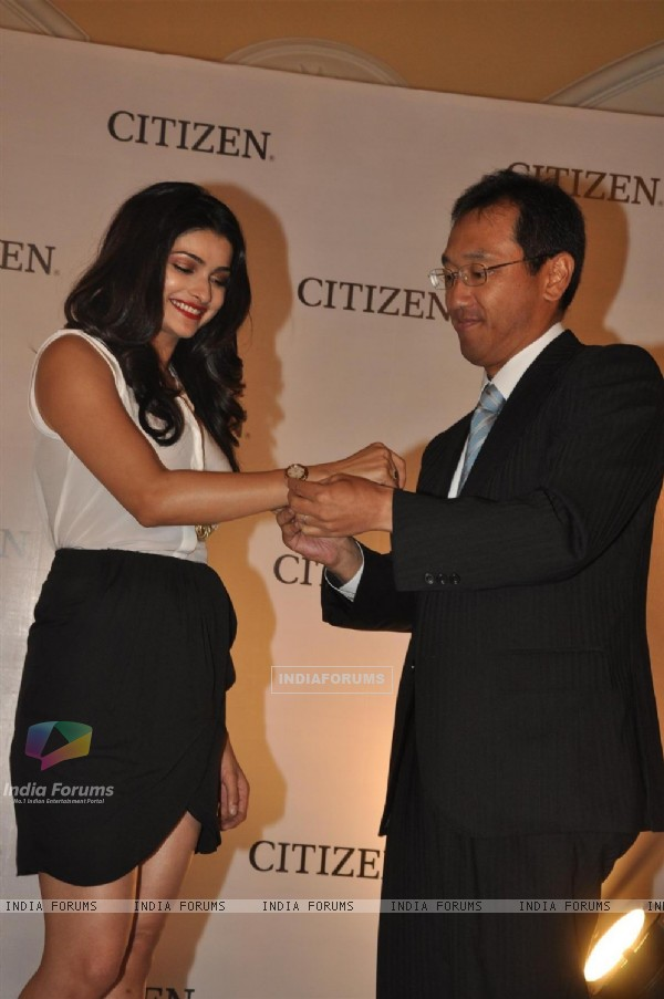 Prachi Desai Launches Citizen L collection watches
