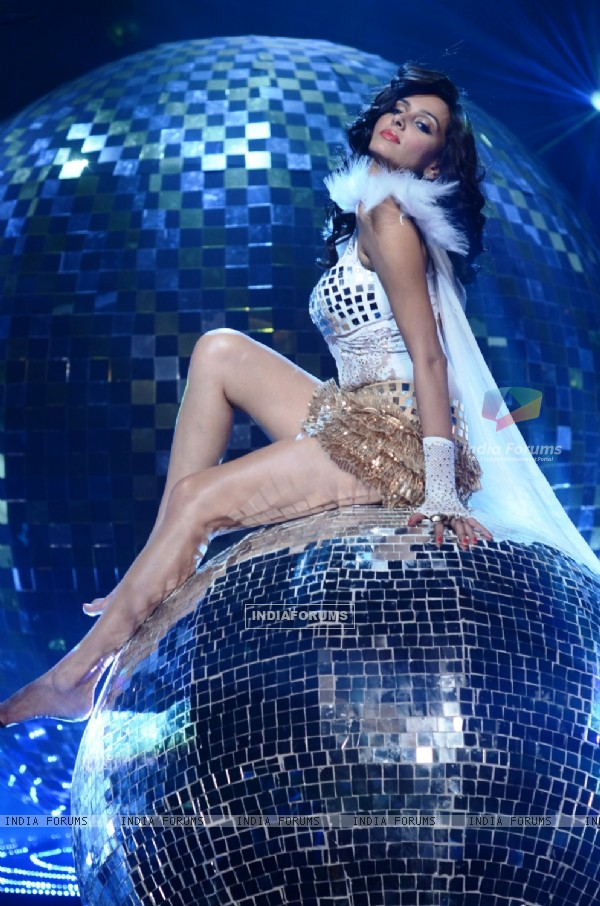 Shibani Dandekar at Jhalak Dikhhla Jaa 5 - Dancing with the stars