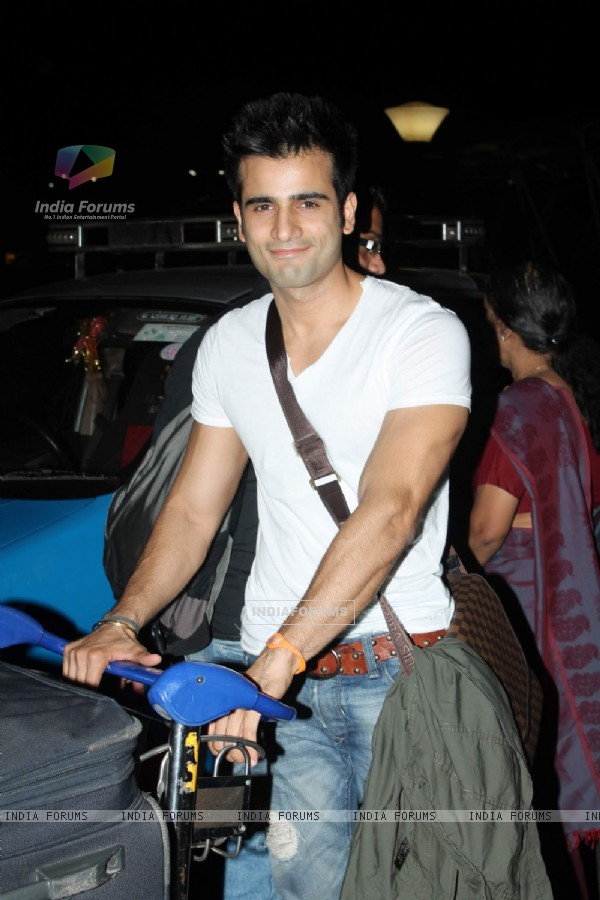 Karan Tacker at International Airport leave for IIFA