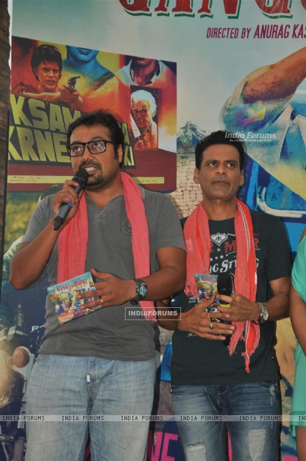 Anurag Kashyap and Manoj Bajpai at Music Launch of Gangs of Wasseypur