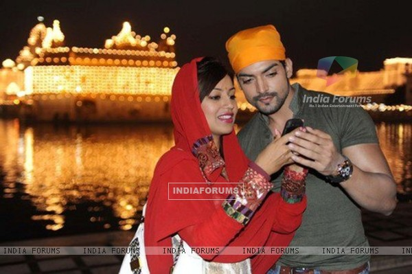 Gurmeet and Debina at Golden Temple, Amritsar