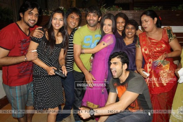 The cast and crew of Iss Pyaar Ko Kya Naam Doon? celebrating their one year anniversary