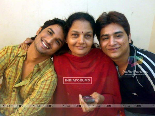 Sushant Singh Rajput With Ankita's Mother
