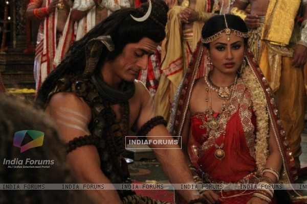 Mohit Raina and Mouni Roy