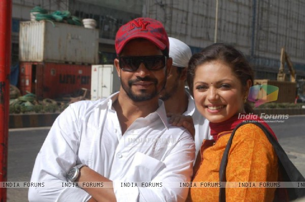 Drashti Dhami with her fan