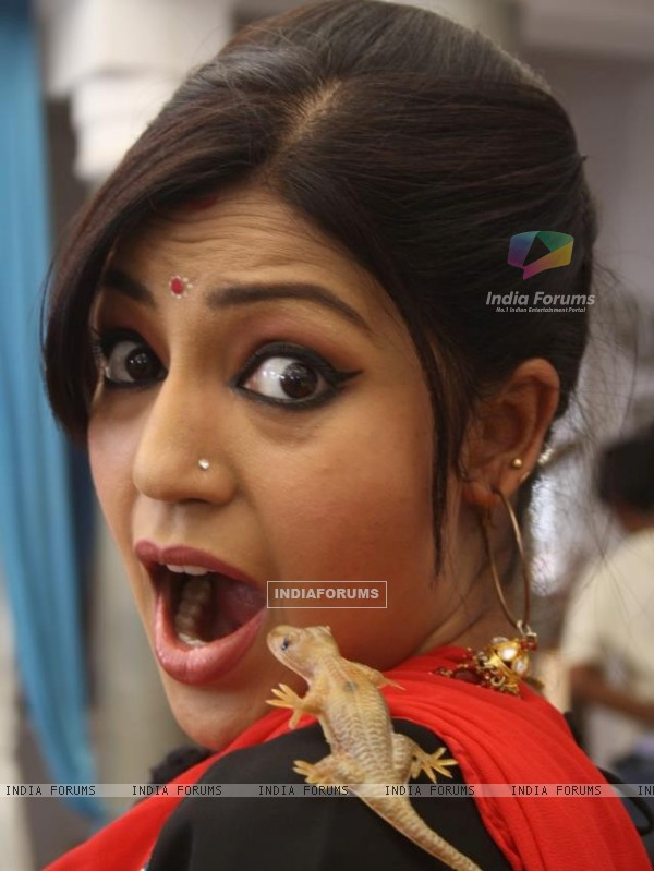 Debina Bonnerjee in Chidiya Ghar