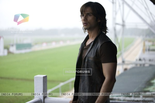 Shahid Kapoor looking confused